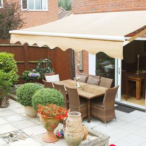 3. XtremepowerUS Patio Manual Retractable Awning