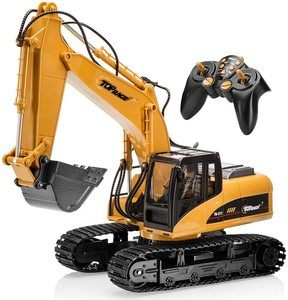 #1. Top Race 15 Channel Remote Control Excavator Full Functional