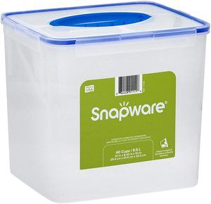 #8 Snapware Airtight Plastic Food Storage Container