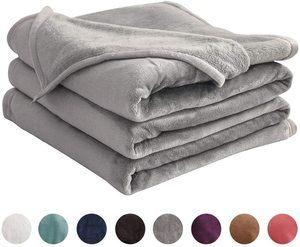 #7. LIANLAM Softest Fleece Blanket