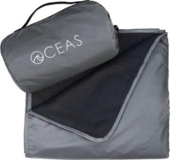 #1. Oceas Outdoor Waterproof Blanket